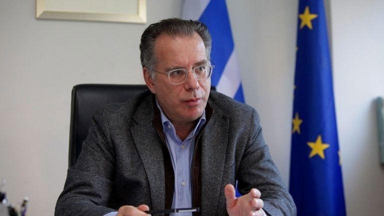 Κουμουτσάκος: Δεν ακολουθούμε τις εξελίξεις στο προσφυγικό, τις συνδιαμορφώνουμε | tovima.gr