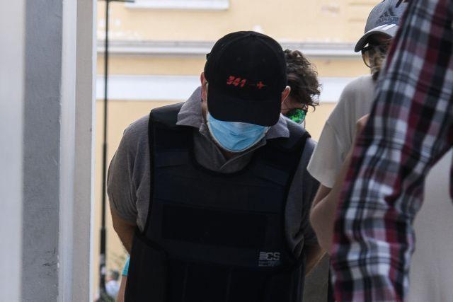 Ψευτογιατρός: Νέες αποκαλύψεις για τη δράση του | tovima.gr
