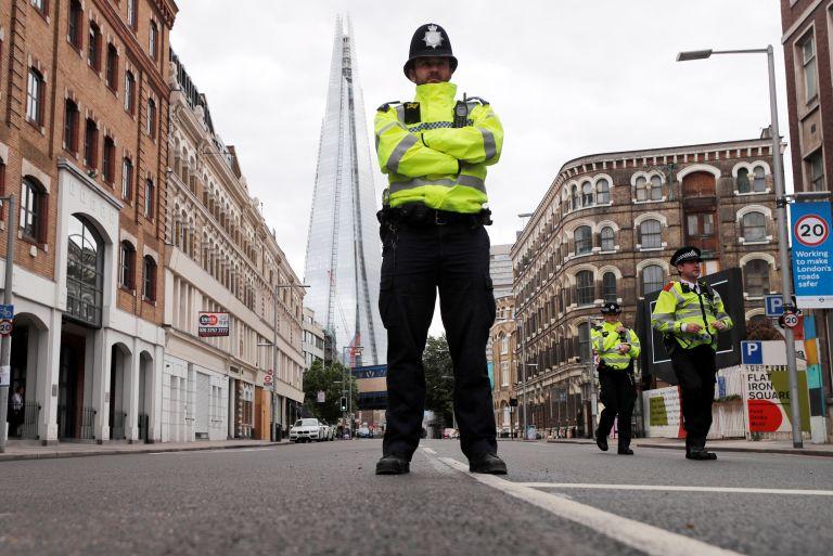 Λονδίνο: Παράλογοι αστυνομικοί έλεγχοι τρομοκρατούν πολίτες | tovima.gr
