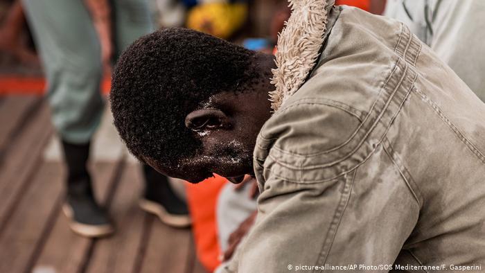 Mετανάστες αναζητούν λιμάνι | tovima.gr