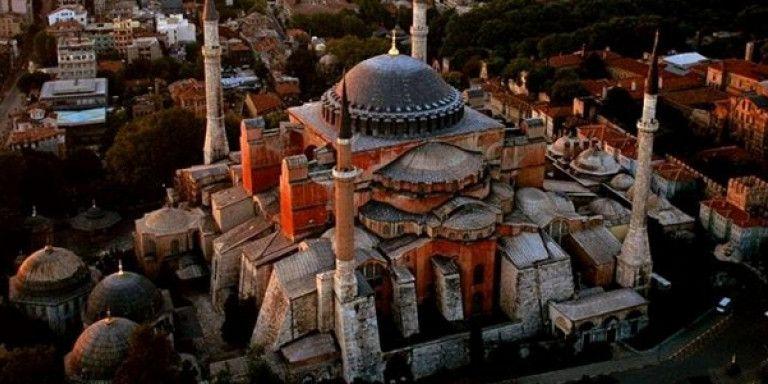 Διεθνείς αντιδράσεις για τη μετατροπή της Αγίας Σοφίας σε τζαμί | tovima.gr