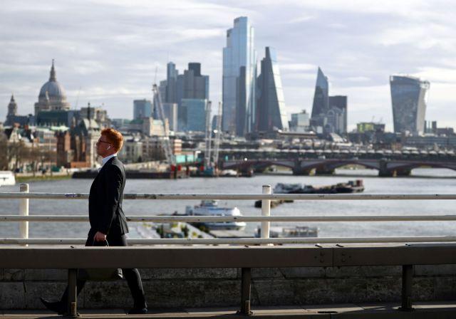 UBS: Ο κορωνοϊός αλλάζει τα πάντα στη ζωή των επενδυτών | tovima.gr
