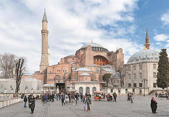 Φτιάχνουν κλίμα τα τουρκικά ΜΜΕ: Θα γίνει τζαμί η Αγιά Σοφιά – Ύβρεις κατά Ιερώνυμου, Βαρθολομαίου   tovima.gr