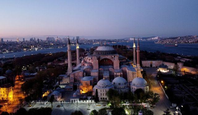Αγία Σοφία: Σήμερα η κρίσιμη απόφαση – Το παιχνίδι του Ερντογάν και οι επικρίσεις | tovima.gr
