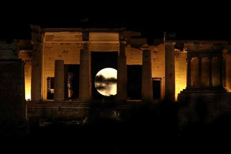 Ανοικτοί θα παραμείνουν αρχαιολογικοί χώροι και μουσεία για την αυγουστιάτικη πανσέληνο | tovima.gr