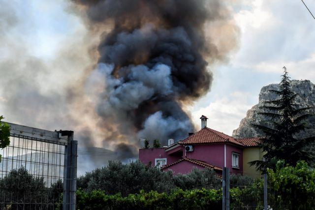 Εκτός ελέγχου η φωτιά στις Κεχριές Κορινθίας - Ειδήσεις - νέα - Το ...