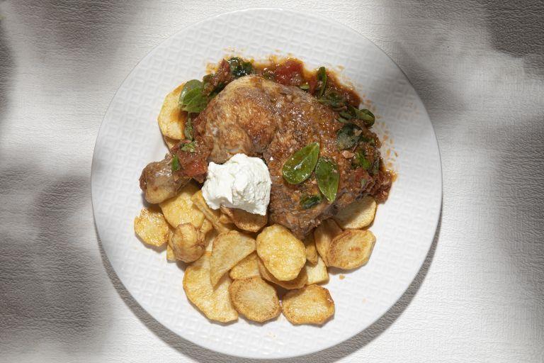 Κοτόπουλο με γλιστρίδα | tovima.gr