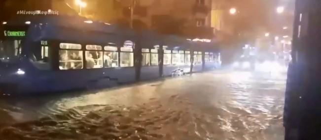 Πλημμύρες στην Κροατία, τυφώνας στο Τέξας | tovima.gr