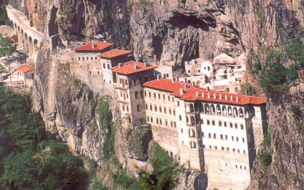 Παναγία Σουμελά: Θα γίνει η λειτουργία τον Δεκαπενταύγουστο | tovima.gr