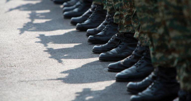 Υποχρεωτική η χρήση μάσκας και στις Ένοπλες Δυνάμεις | tovima.gr
