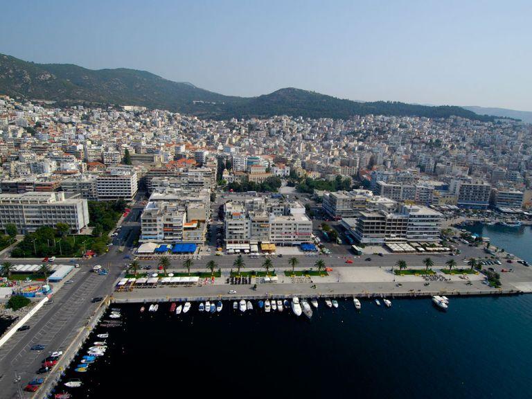 Κορωνοϊός – Καβάλα: Ανησυχία από τα κρούσματα – Πιο αυστηρά μέτρα και τεστ ζητά ο Ι.Σ. | tovima.gr