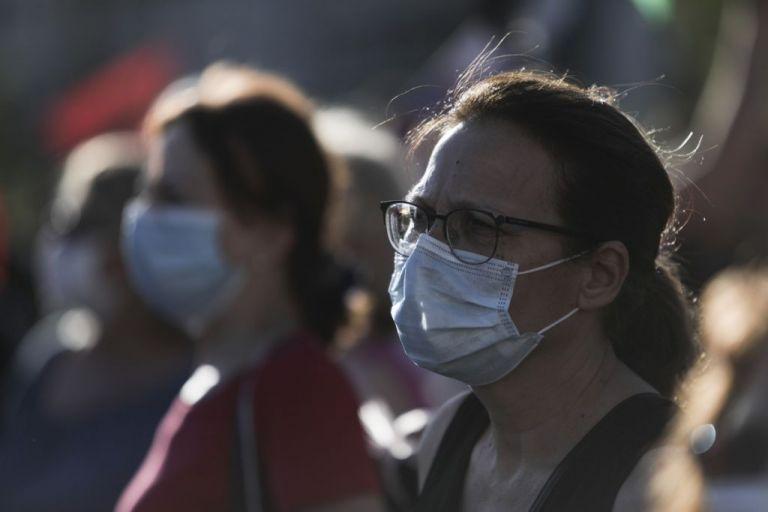 Μόσιαλος: Φορέστε μάσκα, δεν αντέχουμε δεύτερο lockdown | tovima.gr