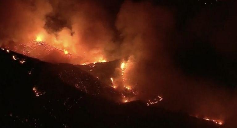 Καλιφόρνια: 8.000 κάτοικοι εγκατέλειψαν τις εστίες τους λόγω πυρκαγιάς   tovima.gr