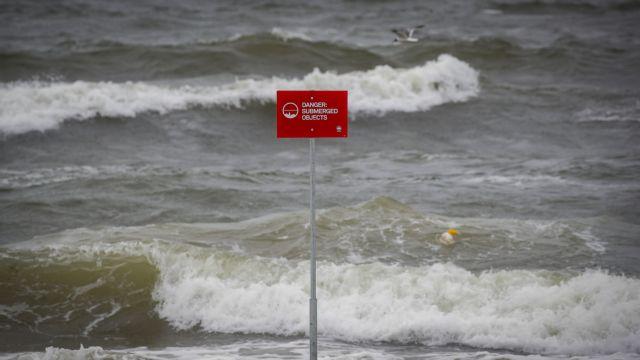 ΗΠΑ: Σαρώνει η τροπική καταιγίδα Ησαΐας | tovima.gr