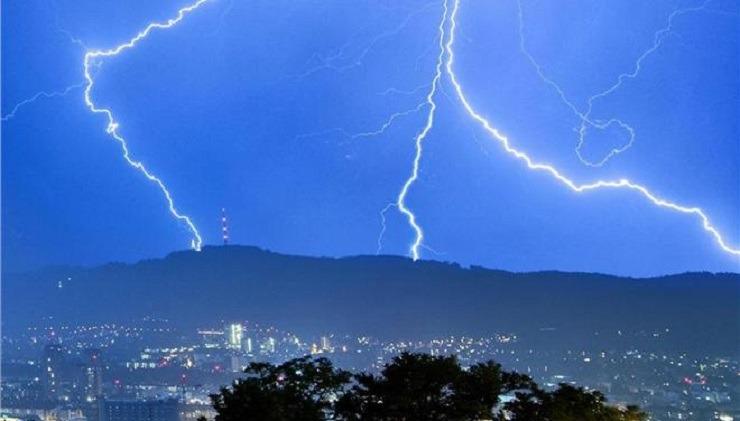 Καιρός: Πού θα «χτυπήσουν» τα έντονα φαινόμενα – Προσοχή στην Αττική | tovima.gr