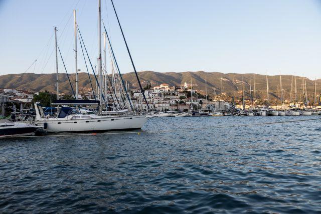Κορωνοϊός: Επιπλέον περιοριστικά μέτρα στον Πόρο – Μεγάλη η διασπορά | tovima.gr