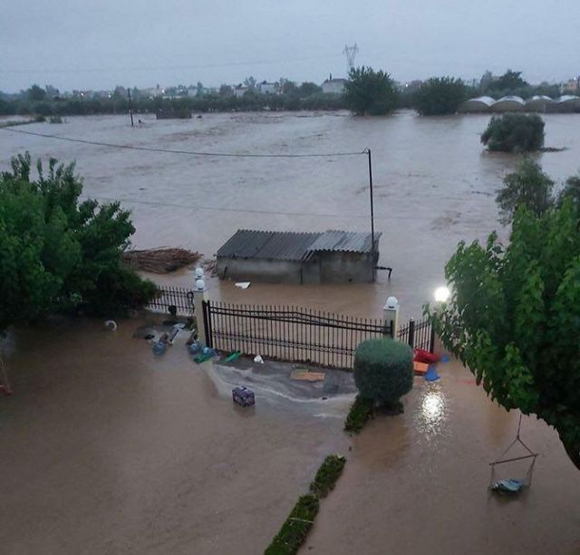 Βιβλική καταστροφή στην Εύβοια – Πλημμύρισαν 3.000 σπίτια ...