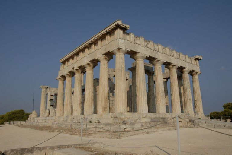 Μενδώνη για ναό Αφαίας: Καμία διαμάχη με την Περιφέρεια Αττικής   tovima.gr