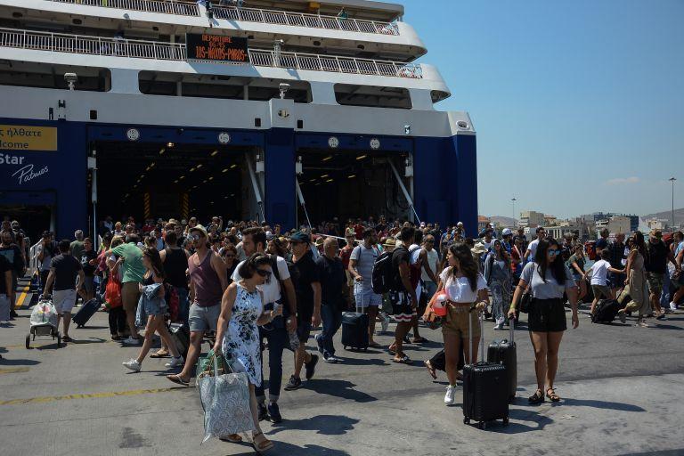 Η επικίνδυνη επιστροφή των νέων στην Αθήνα και το λάθος της Λομβαρδίας στην Ελλάδα | tovima.gr