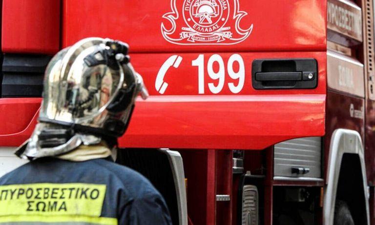 Φωτιά σε εργοστάσιο πλαστικών – Κλειστή η ΕΟ Αθηνών – Λαμίας | tovima.gr