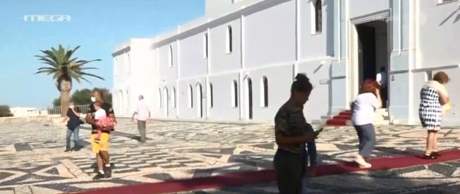 Αποστολή του MEGA στην Τήνο: Μειωμένη η παρουσία πιστών – Χωρίς λιτανεία ο εορτασμός της Παναγίας | tovima.gr