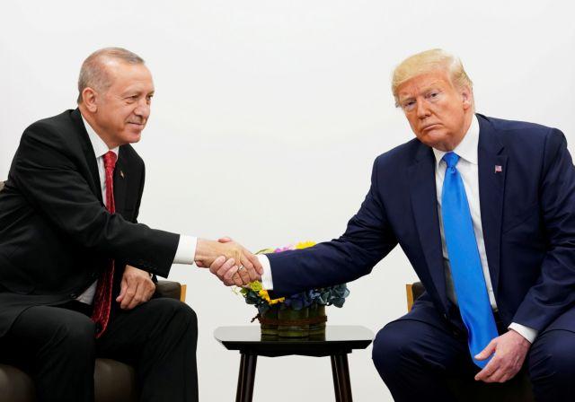 Ο Τραμπ πλέκει το… εγκώμιο του Ερντογάν και «χτυπά» Μπάιντεν | tovima.gr