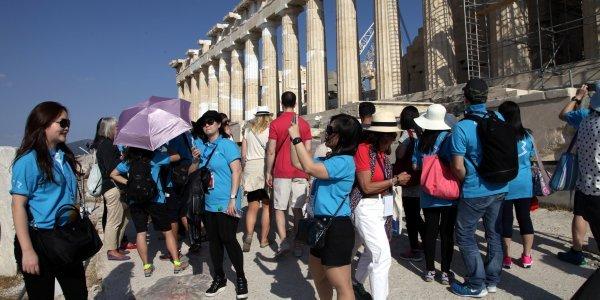 Συναγερμός για την κατακόρυφη πτώση των τουριστικών εσόδων   tovima.gr