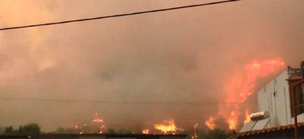 Μάνη: Ορατός από το διάστημα ο καπνός από την πυρκαγιά | tovima.gr