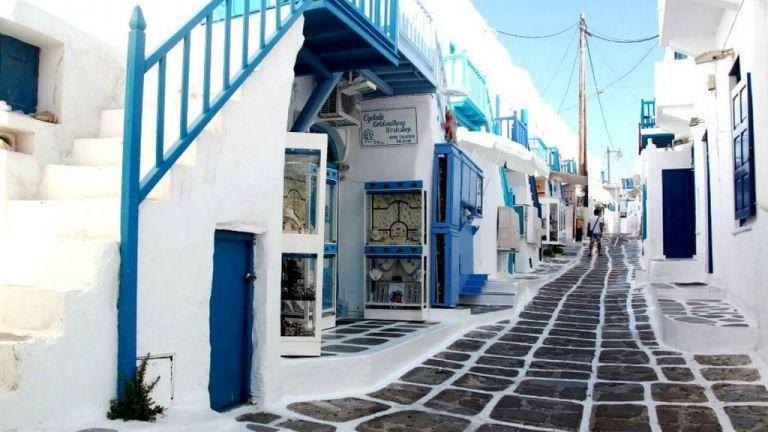 Μύκονος: Χαμένη η τουριστική σεζόν στο νησί των «ανέμων»   tovima.gr