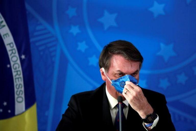Χυδαία επίθεση Μπολσονάρο κατά δημοσιογράφων: «Είναι λαπάδες, δύσκολα θα επιζήσουν από τον κορωνοϊό»   tovima.gr