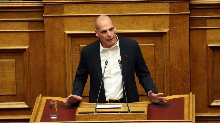 Βαρουφάκης: Οι διμερείς συμφωνίες θα οδηγήσουν σε συνθηκολόγηση με την Τουρκία | tovima.gr