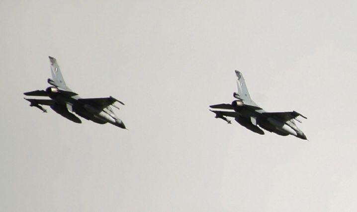 Τα F-16 των Ηνωμένων Αραβικών Εμιράτων στη Σούδα | tovima.gr