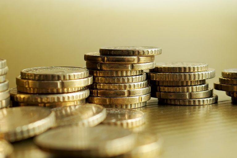 Η Ελλάδα ξαναβγαίνει στις αγορές με 10ετές ομόλογο – Ανησυχία για τη μείωση των δημοσίων εσόδων | tovima.gr