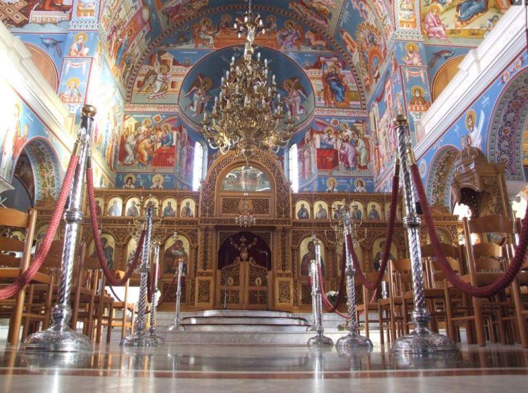 Κορωνοϊός – Φλώρινα: Ιερέας απαγόρευσε τις μάσκες μέσα στην εκκλησία   tovima.gr