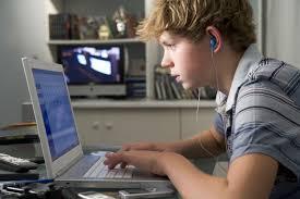 Νέα μελέτη: Πώς οι οθόνες βλάπτουν τις μαθητικές επιδόσεις – Το όριο «κατανάλωσης» | tovima.gr