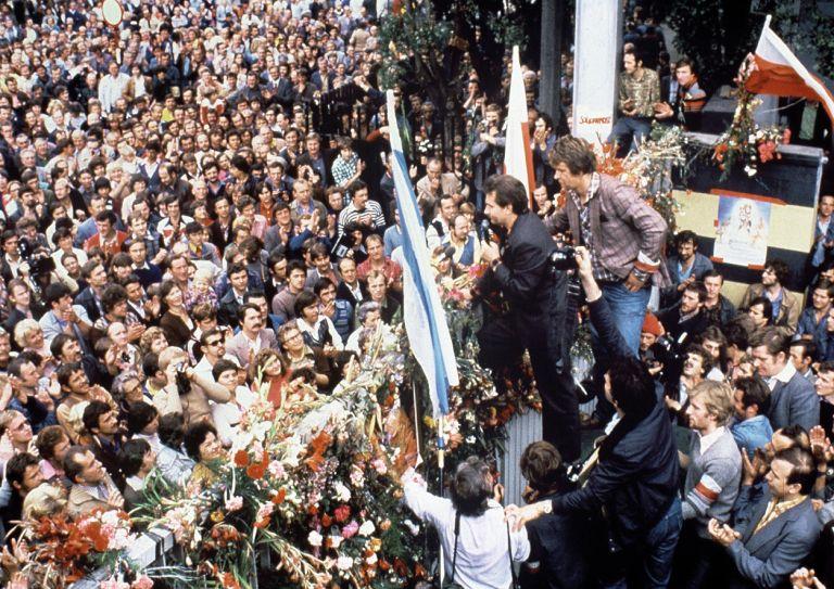 Από την «Αλληλεγγύη» στην πτώση του κομμουνισμού   tovima.gr