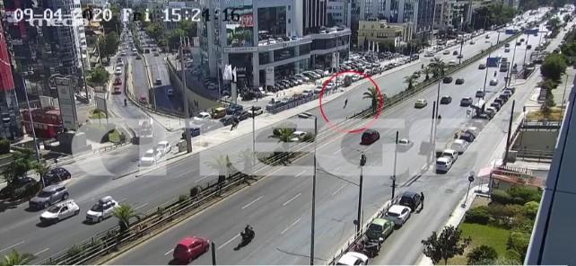 Εικόνες που κόβουν την ανάσα: Βίντεο – ντοκουμέντο με σοβαρό τροχαίο στη Συγγρού | tovima.gr