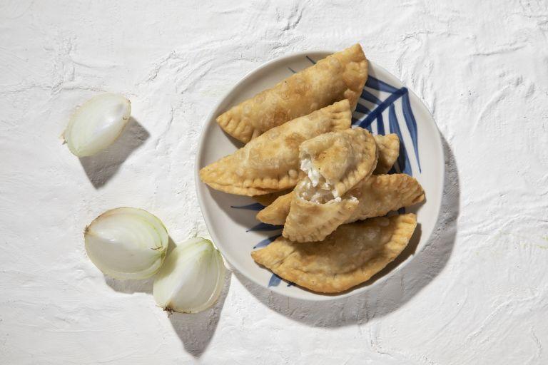 Καλιτσούνια με κρεμμύδι | tovima.gr