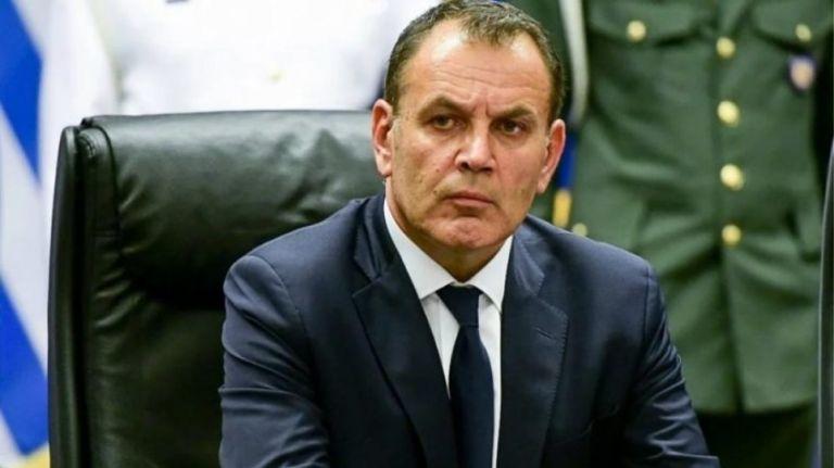 Ο «καυτός» Αύγουστος του υπουργού Αμυνας | tovima.gr