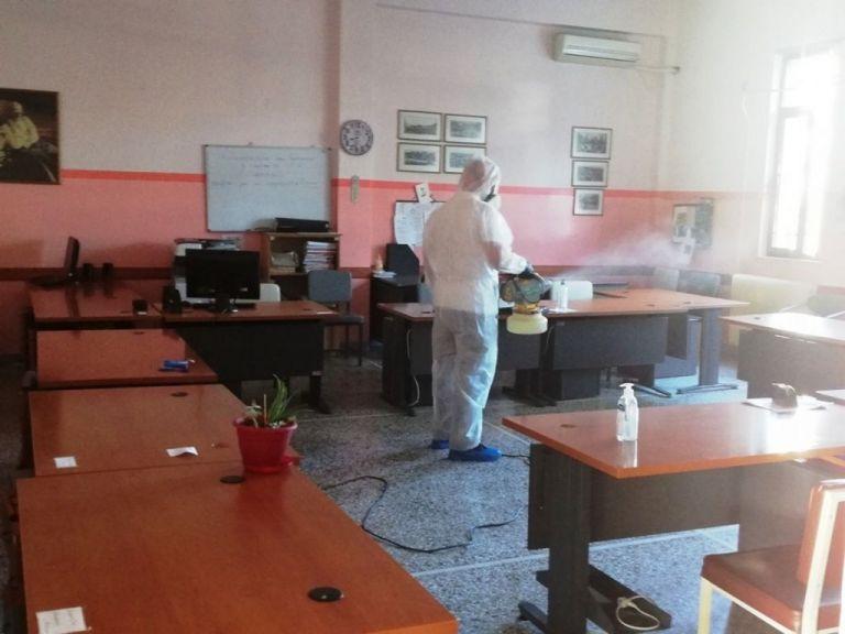 Κορωνοϊός : Στα Τρίκαλα ο ΕΟΔΥ λόγω κρουσμάτων σε βρεφονηπιακό και Γυμνάσιο | tovima.gr