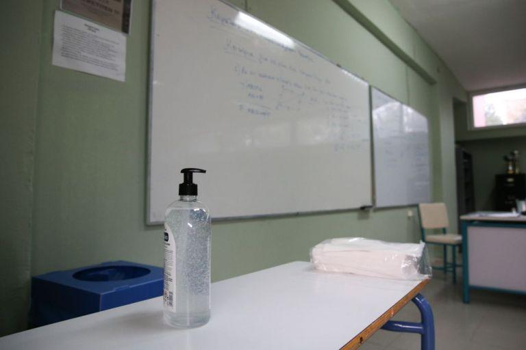O πρόεδρος της ΚΕΔΕ στο MEGA για τις μάσκες στα σχολεία | tovima.gr