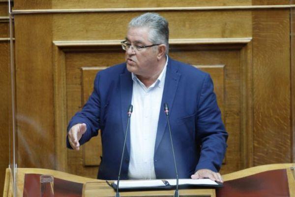 Ψηφίζονται σήμερα στη βουλή οι απλήρωτες υπερωρίες και οι μειώσεις στα δώρα | tovima.gr