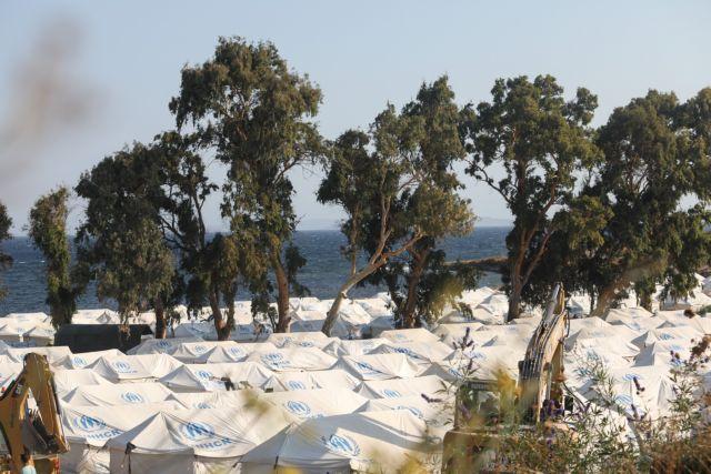 Λέσβος :  Χιλιάδες πρόσφυγες αρνούνται να μπουν στο Καρά Τεπέ – φοβούνται «Νέα Μόρια» | tovima.gr