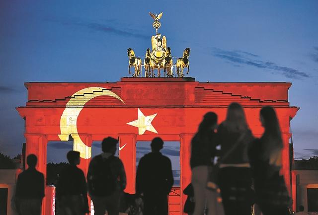 Πώς επηρεάζει η Τουρκία τη γερμανική πολιτική – H ισχύς του Ερντογάν και τα δίκτυα του AKP | tovima.gr