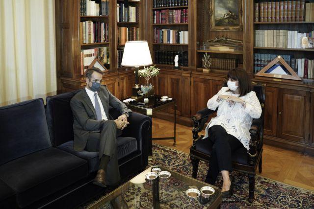 Συνάντηση Σακελλαροπούλου – Μητσοτάκη: Στο «τραπέζι» Καστελλόριζο – κορωνοϊός | tovima.gr