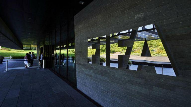 FIFA : Η πανδημία μπορεί να κοστίσει 14 δισ. δολάρια | tovima.gr