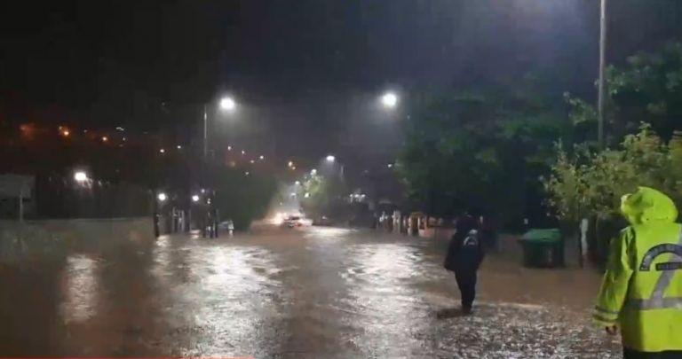 Κακοκαιρία Ιανός: Δραματικές ώρες με αγνοούμενους και εγκλωβισμένους   tovima.gr