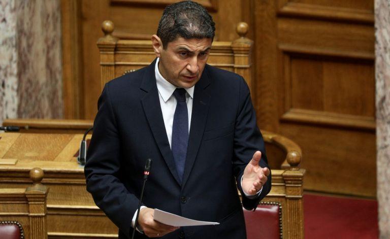 Αυγενάκης: «Αδιανόητη κι επικίνδυνη η απόφαση της ΕΠΟ» | tovima.gr