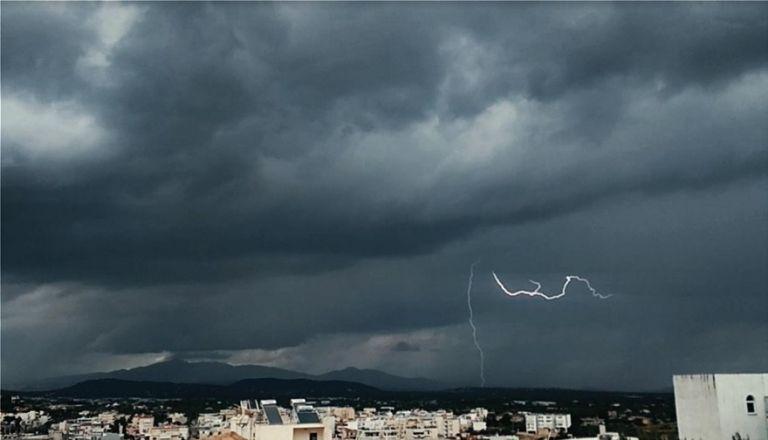 Ιανός : Στην Αττική πλησιάζει το μέτωπο της κακοκαιρίας – Πού θα χτυπήσει τις επόμενες ώρες [χάρτης] | tovima.gr