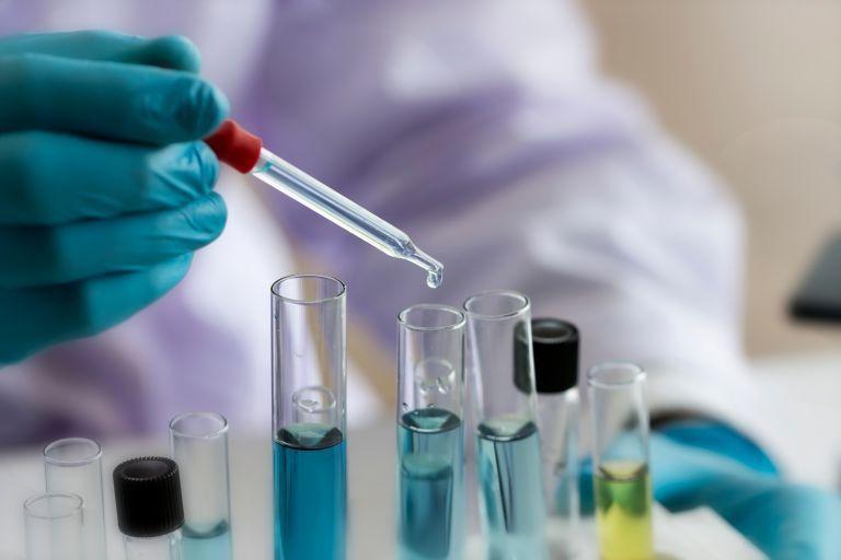 Κορωνοϊός : Δυνατότητες και περιορισμοί των rapid test για Covid-19 | tovima.gr